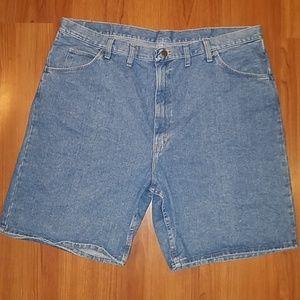 Men's Wrangler blue jean shorts size 44